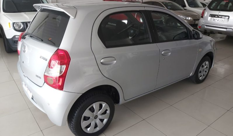 Toyota Etios XS 1.5 2016/2017 full